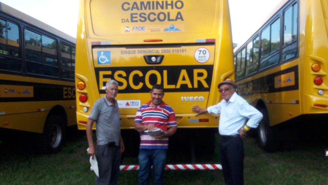 Timóteo – MG  –  Doação do ônibus escolar – Deputado Federal  Marcelo Aro