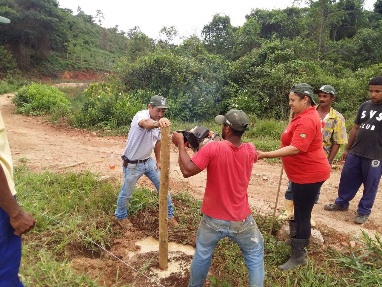 Curso de Cerqueiro, Construção de Cerca de Arrame liso e farpado, Realizado pelo SENAR-MG em Parceria com a Prefeitura Municipal de Rio Vermelho